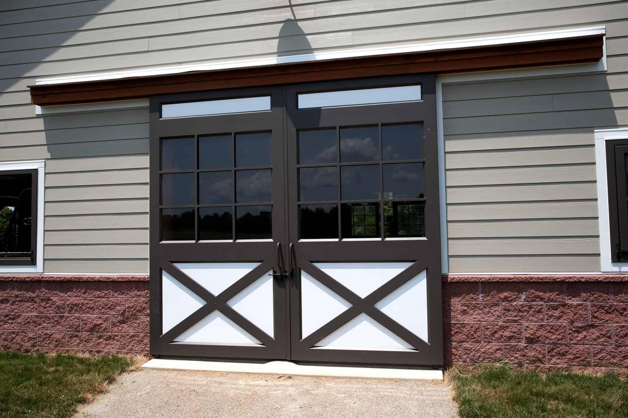 horse stalls barn doors