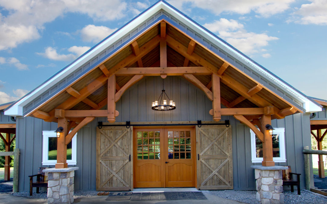 What's the Difference Between Traditional and Timber Frame Construction?